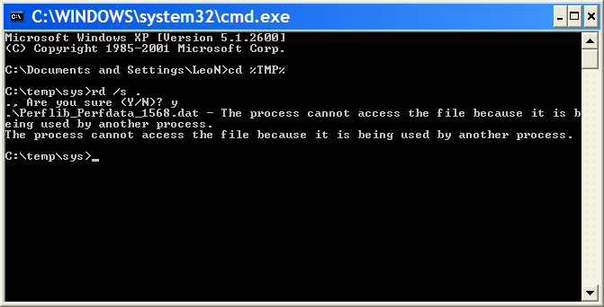 Command Prompt showing delete of temporary files